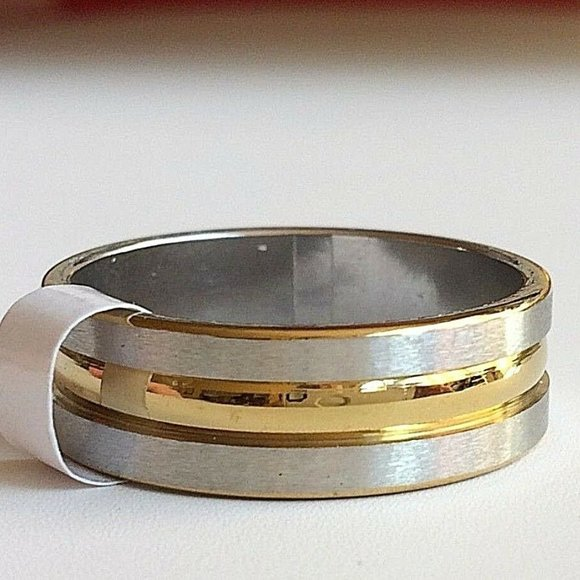 Jewelry - Silver Gold Stainless Steel Ring Band Size 11 13